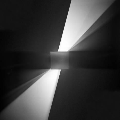 Aplique de pared Kub LED 4w blanco de Leds C4