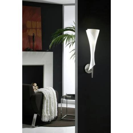 Mantra Zack wall lamp 1L opal glass