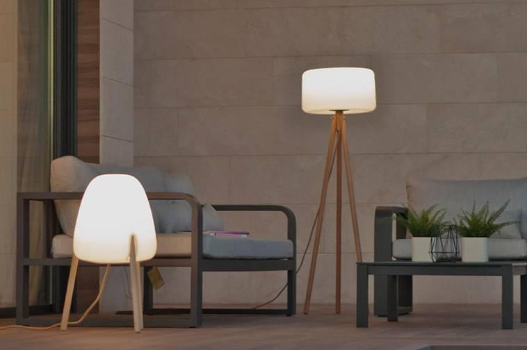 L mparas de pie de exterior igan iluminaci n for Lamparas de exterior para terrazas
