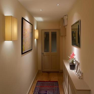 Como iluminar tu pasillo igan iluminaci n - Focos pasillo ...